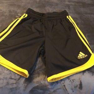 ⚽️black/yellow adidas climalite soccer shorts⚽️